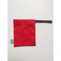 Bolsita impermeable roja para braguitas menstruales